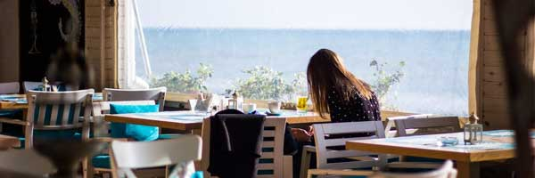 The 7 Best Beach Bars and Cafes to Visit in Cornwall 2 - The 7 Best Beach Bars and Cafes to Visit in Cornwall